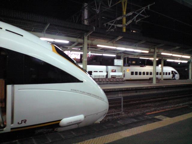 鉄道:かもめ〜が飛〜んだ〜♪