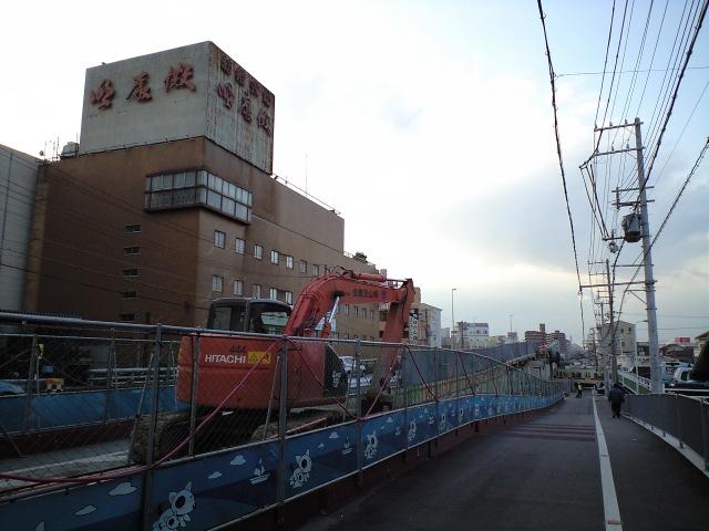 交通:明石大橋で拡幅工事?