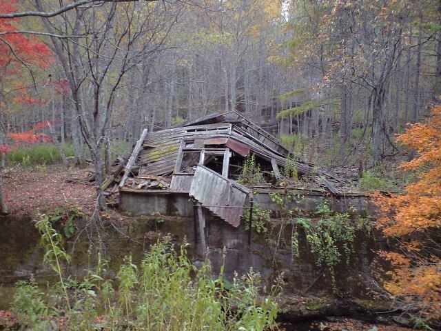 廃虚:廃鉱の秋、廃線の秋
