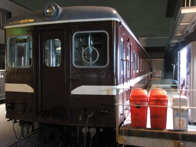 廃線:ライトアップされた羽幌炭鉱鉄道キハ22