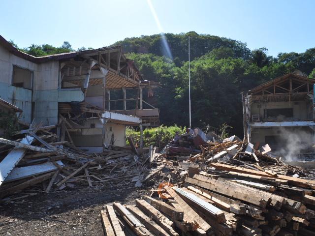 廃墟:廃校インフラスパイラル