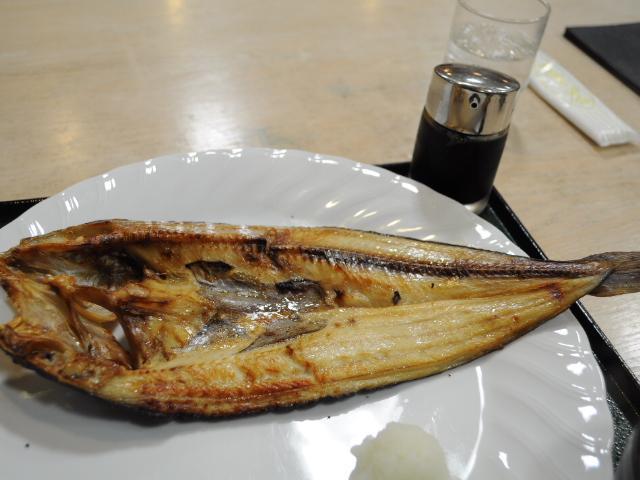 グルメ:白いスープうどん&ホッケ定食