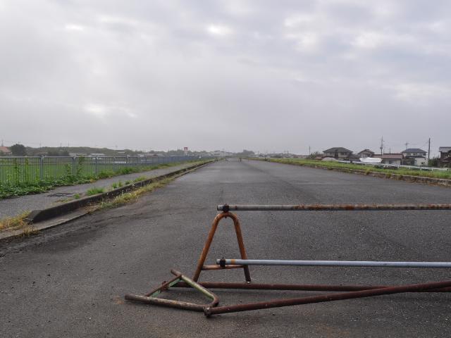 道路:未成道を歩く 175Rバイパス