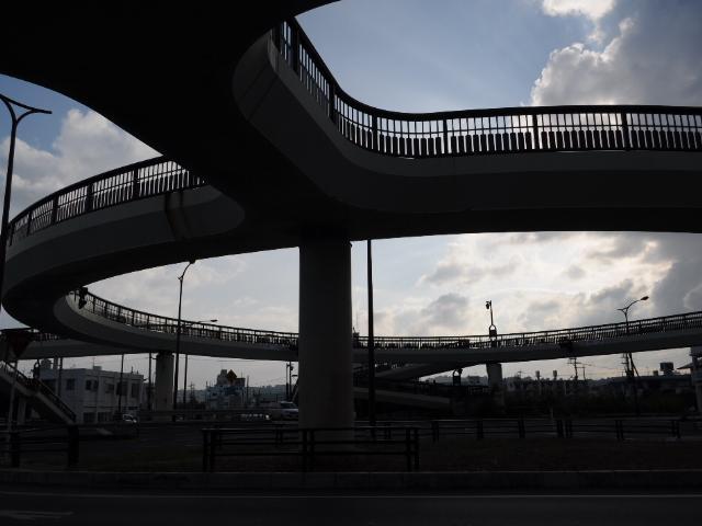 道路:今日の円形歩道橋