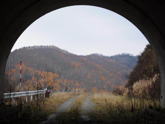 未成道:建設中止の741号線の最深部に橋梁発見