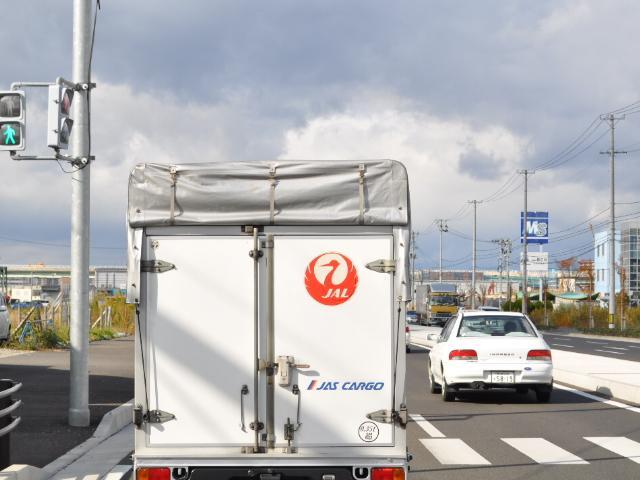クルマ:貨物線沿いで見つけた痛車の旅