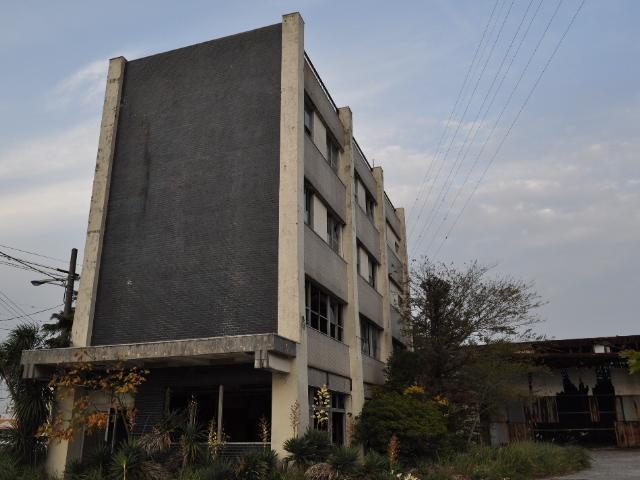 廃墟:廃工場付き廃アパート