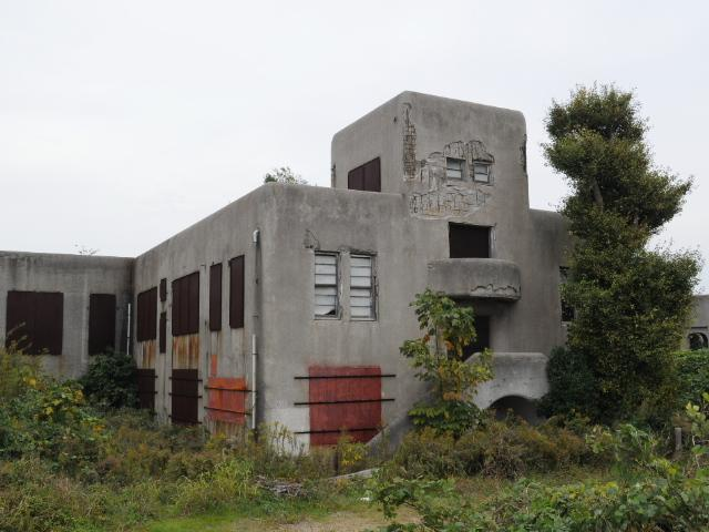 廃墟:ますます宅地化が進む戦跡