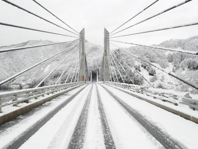 橋梁@キレイな斜張橋してるだろ でもエクストラドースドPC橋なんだぜ