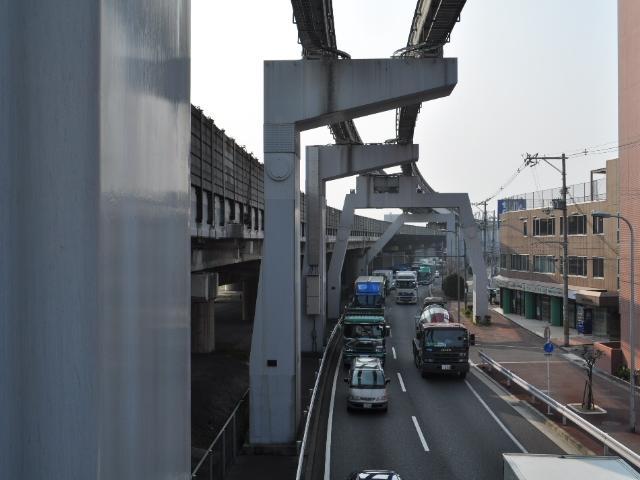 橋脚@大阪モノレールの橋脚群
