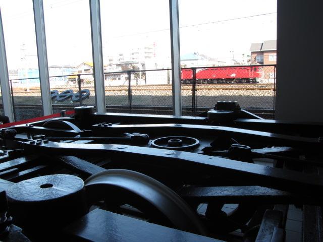 鉄道@板バネだらけの台車展示 ボルスタもあるよ