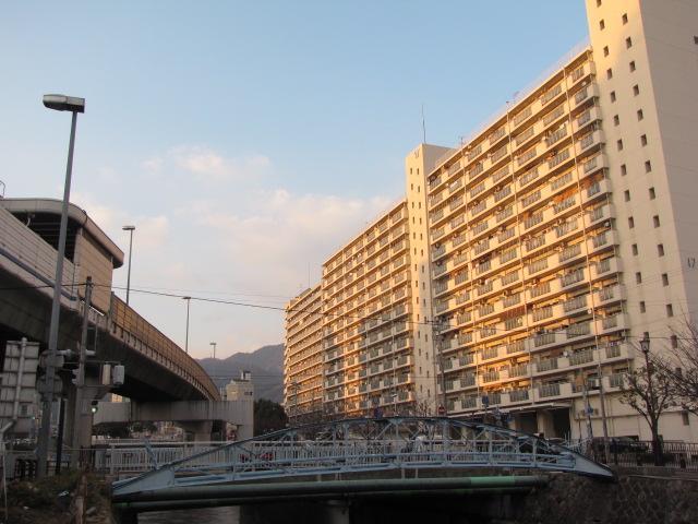 橋梁@生田川ジャンクションにあるボーリングストラトス…じゃなくてボーストリングトラス