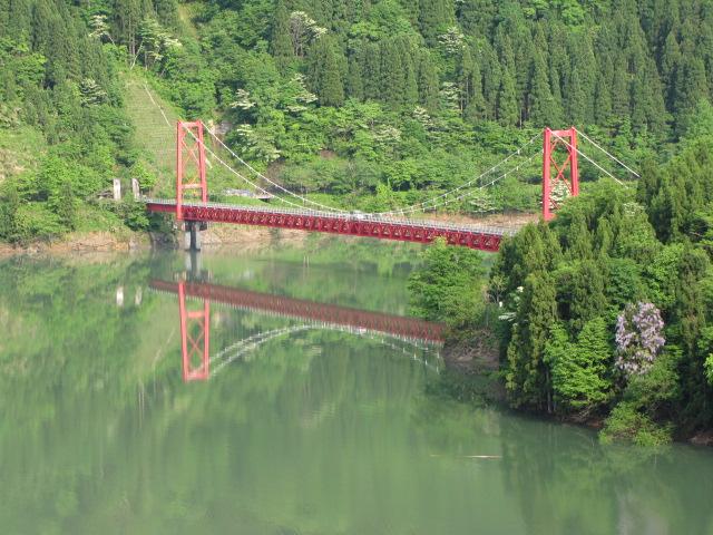 このタイプの林道橋は全国で見かけるけど林野庁の規格品だろうか