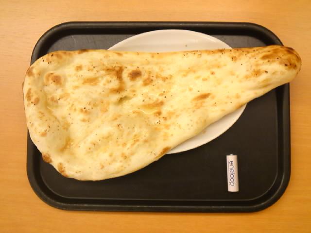 グルメ@スーパー銭湯「加賀ゆめの湯」のビッグサイズのガーリックナン