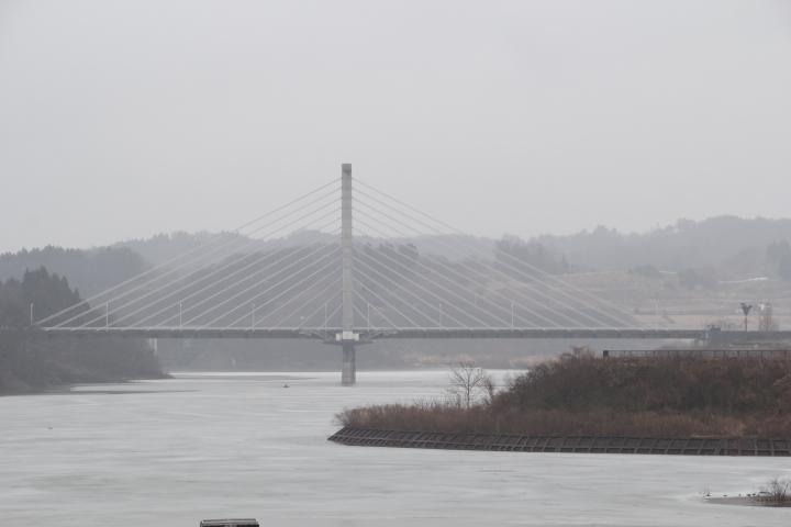 橋梁@三春ダムから見た春田大橋 斜張橋というよりはエクストラドーズドかもしれない