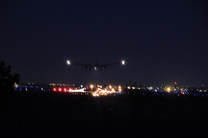 航空@今日の爆音浴 離陸側だと滑走路半ばで離陸してるので着陸側が狙い目