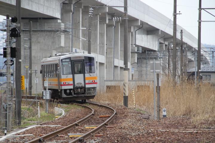 鉄道@「夢をのせた新幹線 生活をのせた在来線」