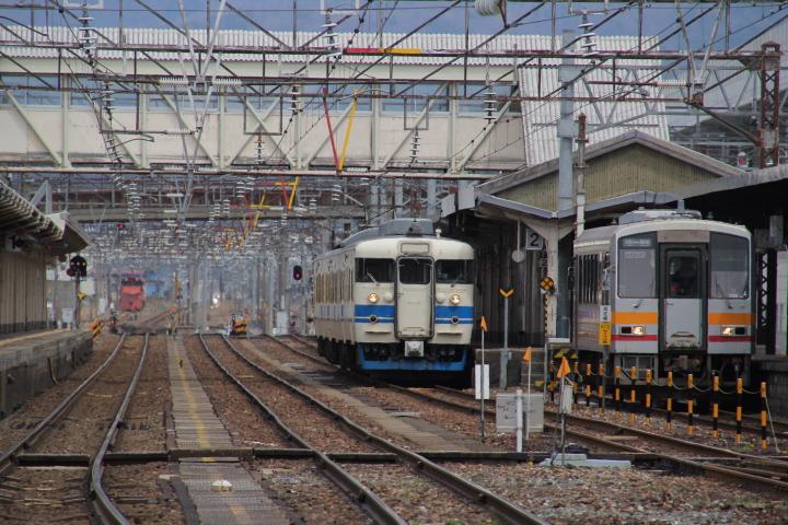 鉄道@新幹線開通で本線を3セク分離したらJR直轄のローカル線より運行本数が少なくなったりして?(ぉぃ