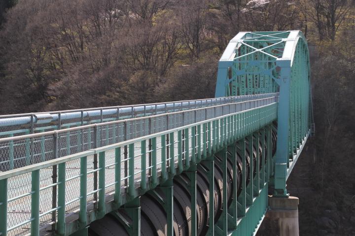 橋梁@谷底に中路ボーストリングらしきトラス橋が見えたので捜して見るとボーストリングではなかったものの