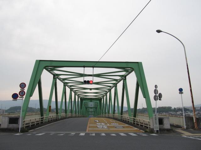 橋梁@車線が増える台形状のトラス橋  写真ではこの不思議な奥行き感が伝えにくいなぁ