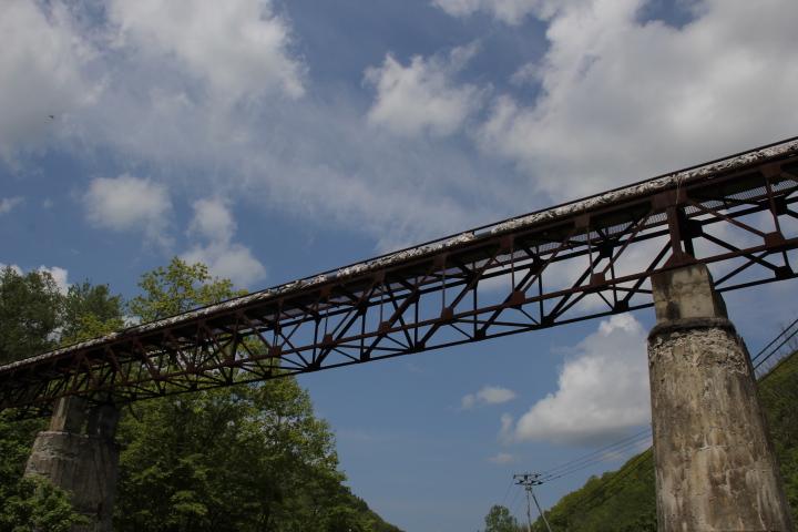 鉱山@とある鉱山の高架橋脚