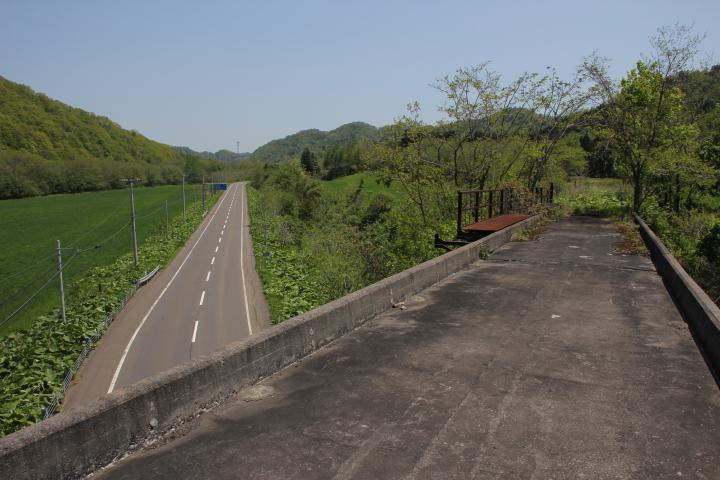 橋梁@廃線と国道