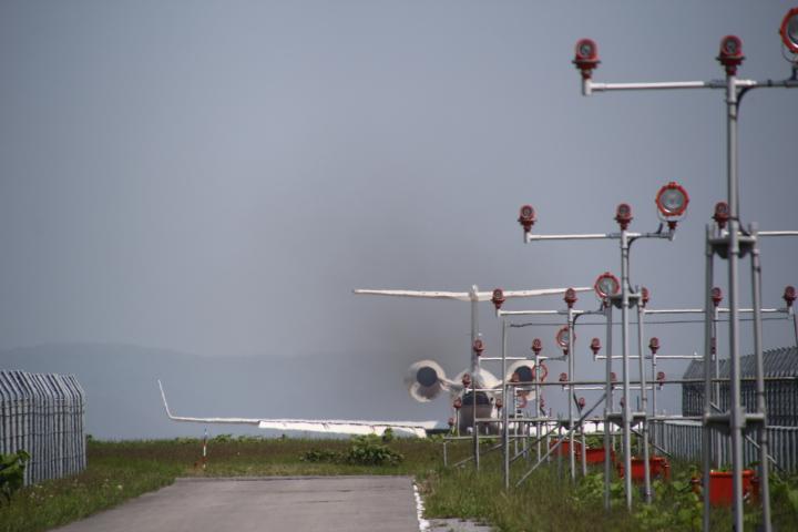 航空@軍用未成線にいながらにして爆音浴できるのがコチラのスポットになります #ロリ鉄 #ミリ鉄