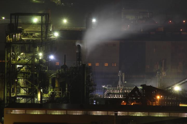 工場@工場夜景の練習中 と言いつつも三脚を持ち歩かないのは明らかに手抜きだなぁ…
