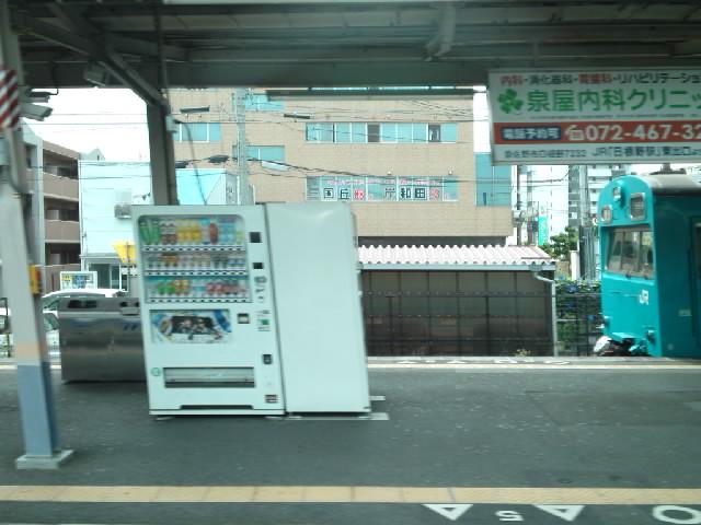 阪和線っていまだに低運転台の電車がいるのか!半世紀ほどタイムトラベルしたかと思った