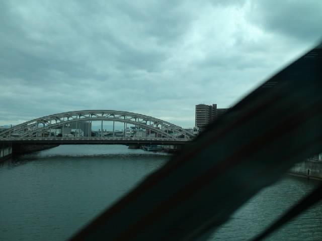 今日のタイドリブアーチ橋 ちなみに先日尋ねた艶かしいアーチ橋は旭橋(幣舞橋,豊平橋と並ぶ3大名橋)でした