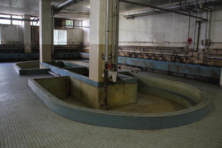 #Jheritage長崎産業遺産視察勉強会 鉱員風呂は浴槽の縁が効率的に使えるよう楕円形の入り組んだ形状でした