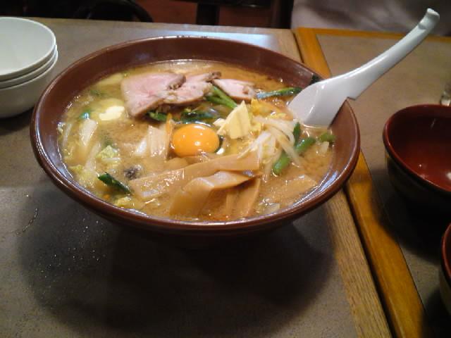 グルメ@今日の #ラーメニング 札幌駅前の中華料理屋 天壇 カオスなB級グルメっぷりに関わらず味と量は逸品