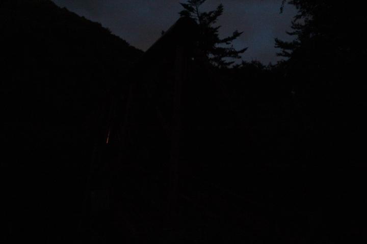 この三弦橋、日を改めて何回撮りに行っても真っ暗にしか映らない しかもこれで露出オーバーと表示されてる