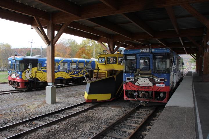 鉄道@というわけで、今年の陸別鉄道の運転期間は終了したので、車輌はみんな大屋根の下で冬眠に入ります