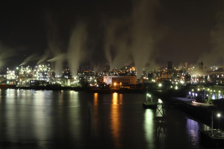 そういえば、徳山のコンビナートの石油精製プラントを止めるって話、その後どうなったんだろうか?