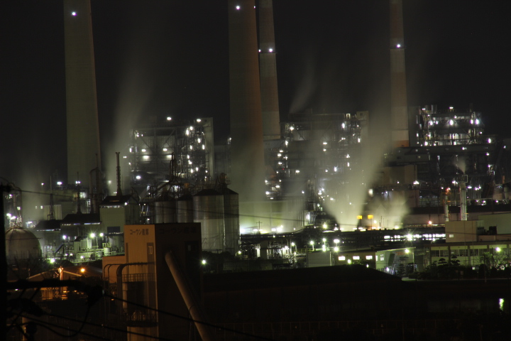 いつもの徳山の工場夜景スポットですが、市街地に新しい撮影スポットが増えてました