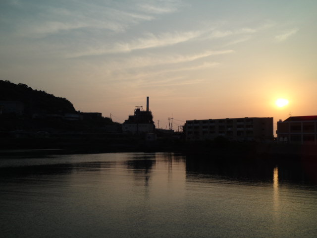 #長崎産業遺産視察勉強会 本日の夕景 池島炭鉱の団地に沈む夕日