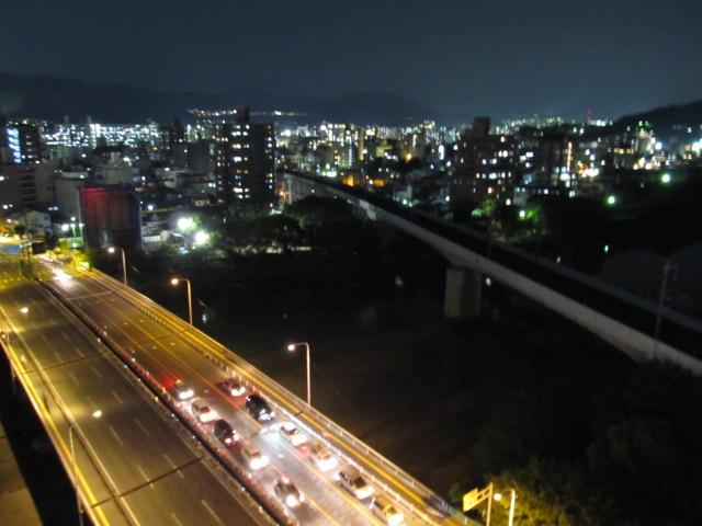 建築@広島で見つけたツインコリダーが絶景すぎる件について デッキ部から市内の夜景が一望できる #ついこり