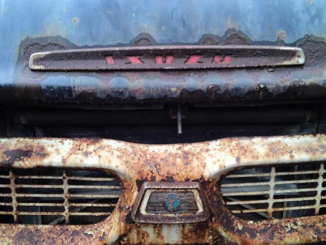 大谷の資料館にあったボンネットトラック、こう見えて現役の様子