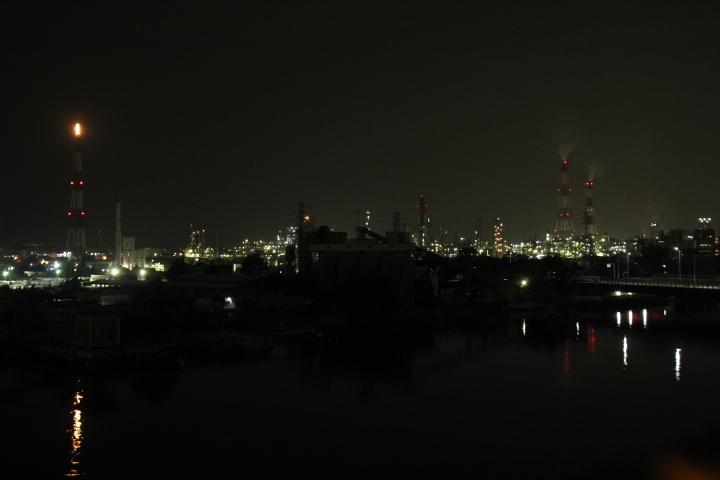 通りすがりの工場夜景