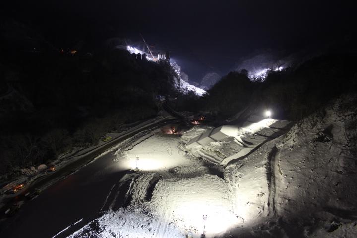 ダム@雪の未成ダム夜景
