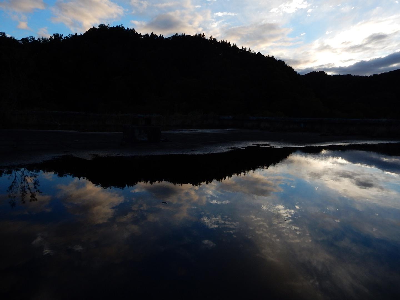 ♪遠き炭鉱(ヤマ)に陽は落ちて♪