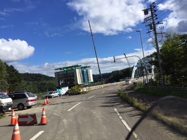 桂沢湖の辺りも橋梁架け替え工事を何年もやってるなぁ