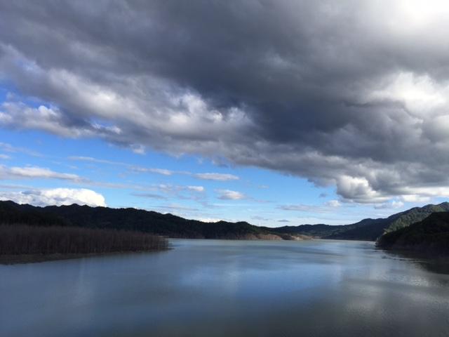 今日のダム湖
