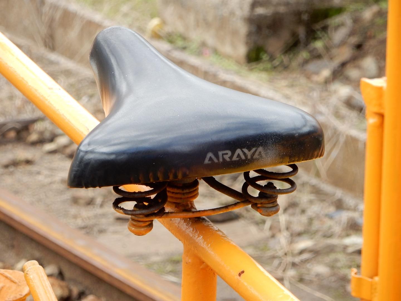 軌道自転車のサドルのこだわり具合