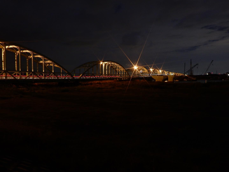 長良川に掛かってるトラスドランガー橋、架け替え準備やってるので、未成橋脚ファンやトラスドランガー桁ファンの人は急いだ方が良いですよ
