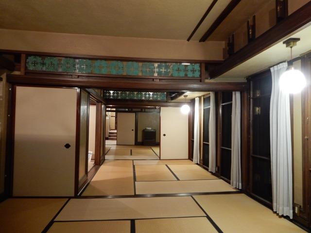 #ヨドコウ迎賓館 3階の和室としてライトの設計にはなかったが、後になって改修された ライトならこう設計するだろうという意匠を凝らしてある