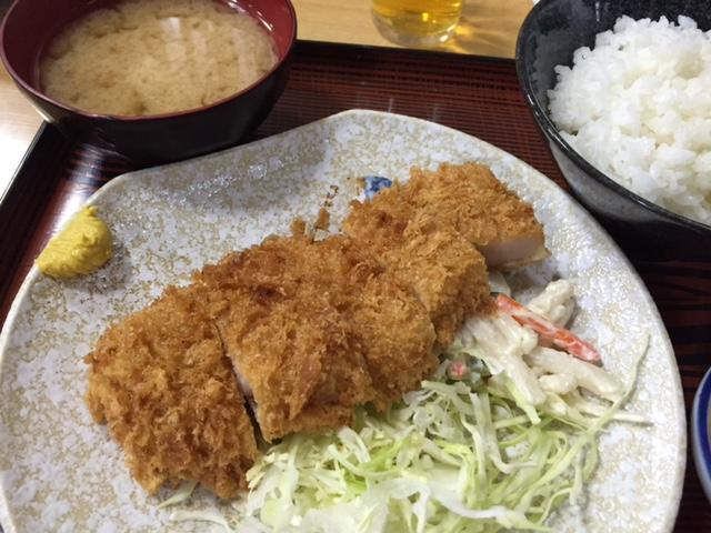 グルメ@新宿の一等地にある昭和レトロな定食屋「長野屋」