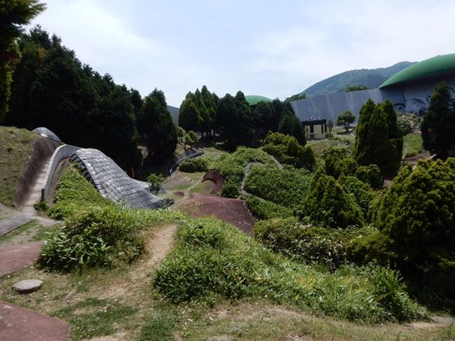 観光@岐阜県の「養老天命反転地」がヤバイくらいに面白い
