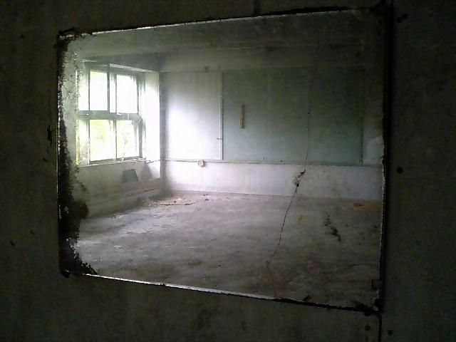 廃墟:三毛別(?)小学校